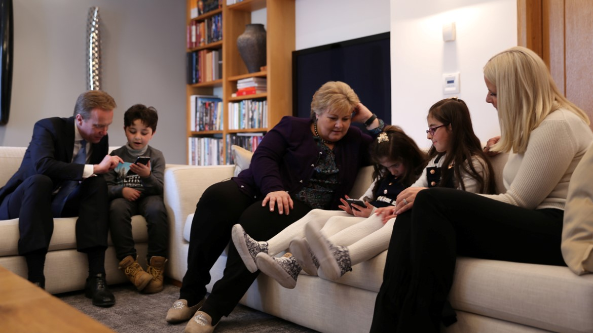 The EduApp4Syria games are tested at the home of the Norwegian Prime Minister